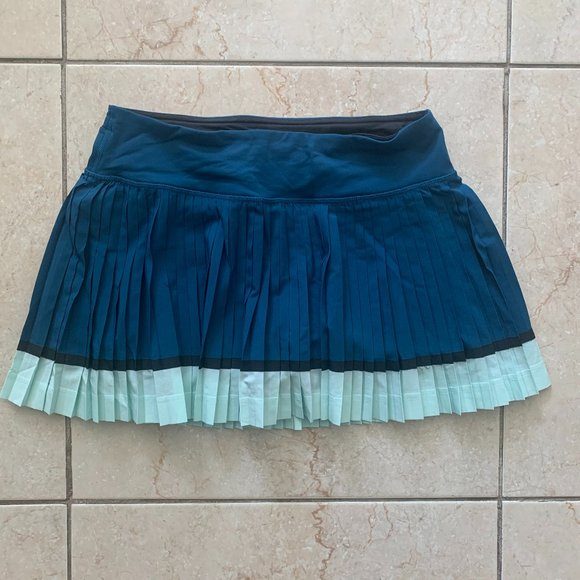 EUC Lululemon From Pleat to Street Running Skirt